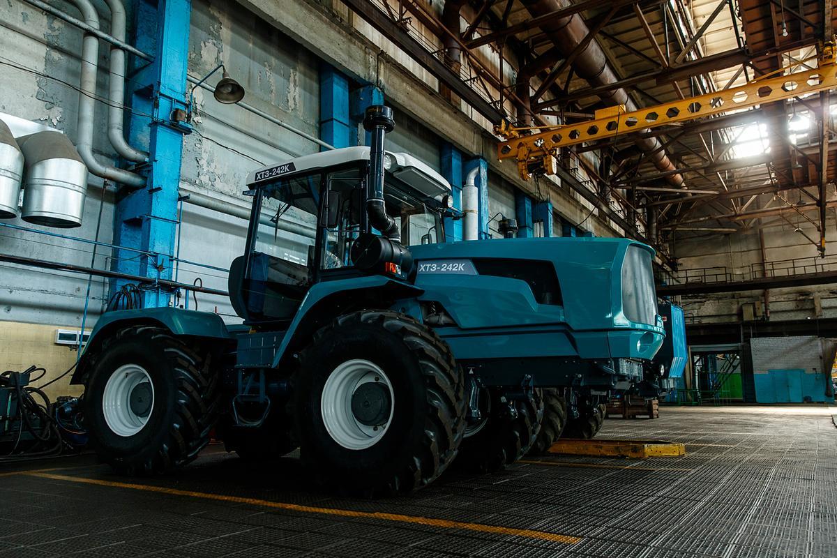 Картинки харьковского тракторного завода
