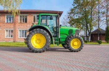 Среднеразмерный трактор John Deere 6920 технические характеристики