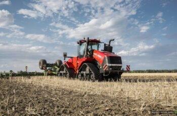 Case IH представили новые сверхмощные трактора серий Quadtrac и Steiger