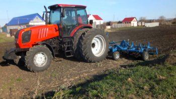 Traktor-MTZ-2022-350x197