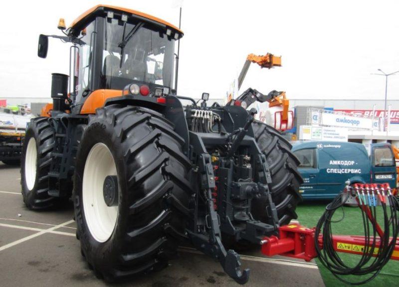 pervyy_traktor_amkodor_5300-800x576
