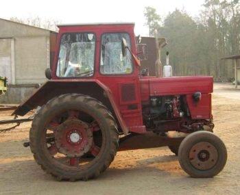 Traktor-Universal-V-445-350x285